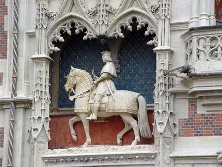 Bức tượng vua Louis XII ở lâu đài Blois.